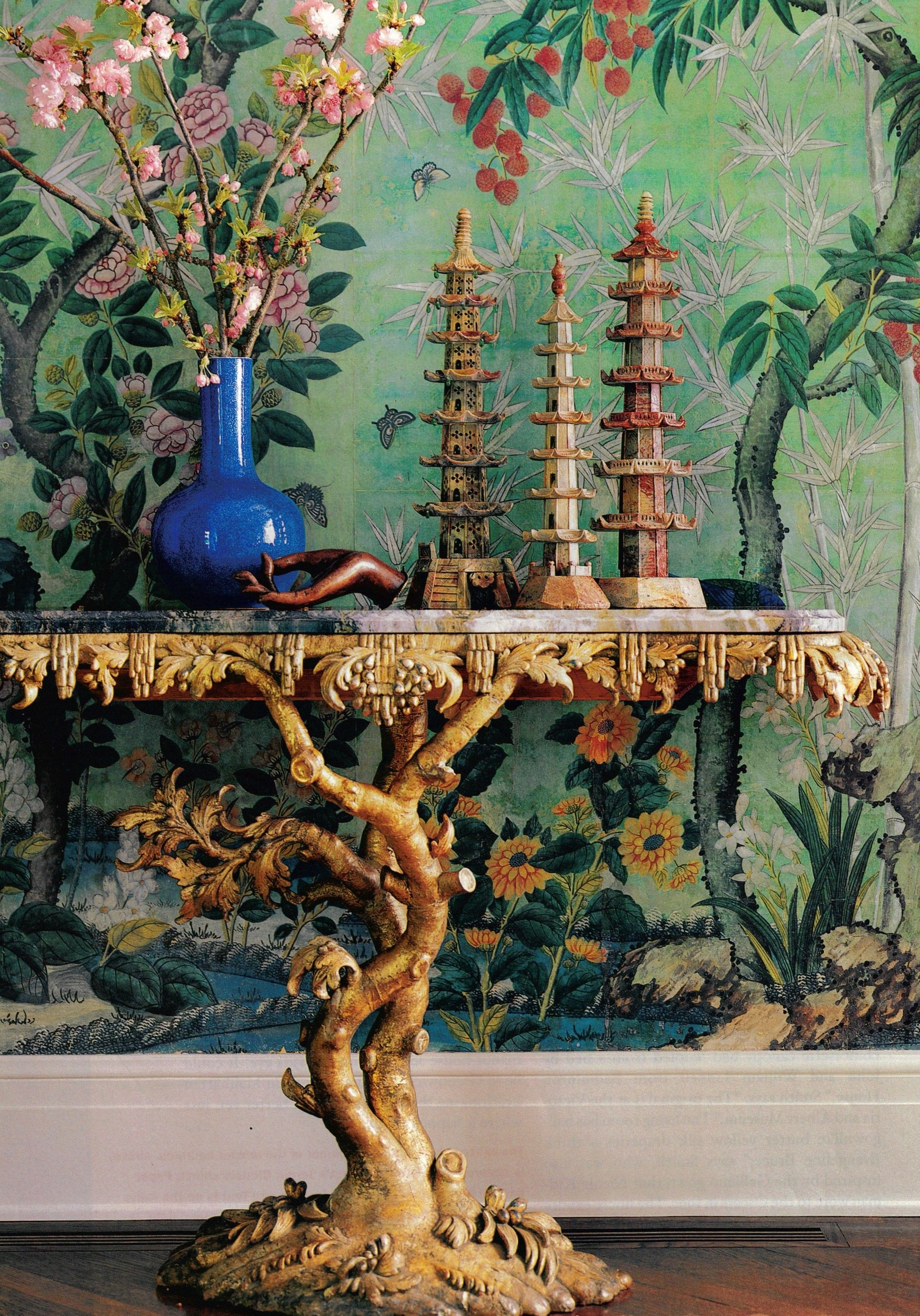 18th Century Console Chinoiserie Wallpaper Los Angeles House