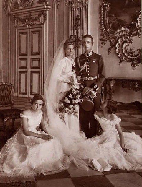 Wedding Portrait Of Princess Elisabeth Marie Of Bavaria And Her Second Husband Ernst Kustner Royale Hochzeiten Hochzeitsfotos Hochzeit