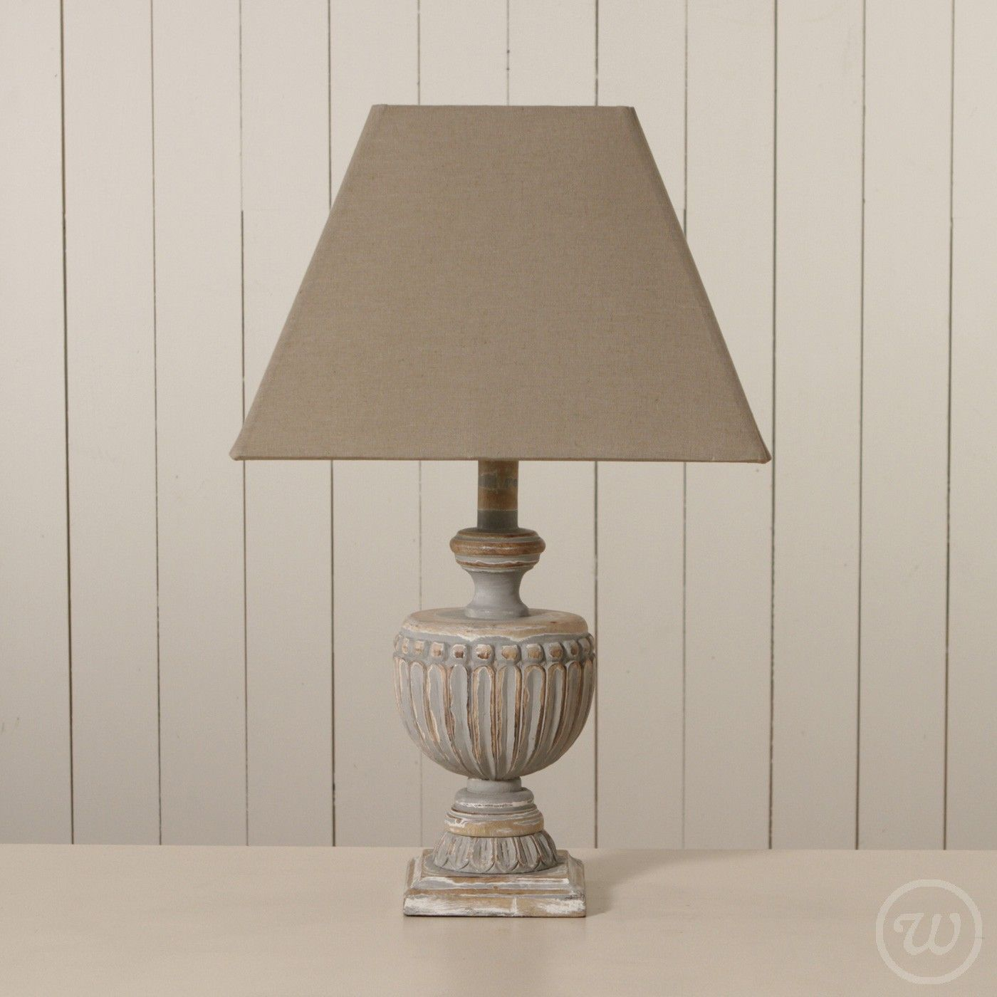 Solid Wood Antique Style Table Lamp   Lighting