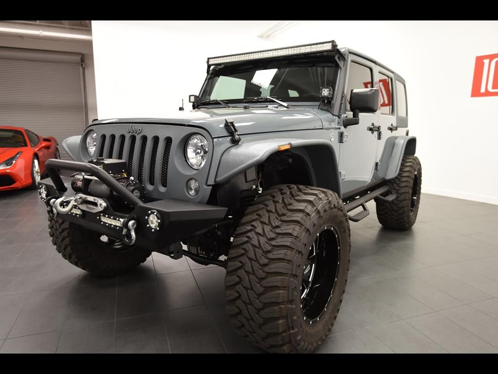 2014 Jeep Wrangler Unlimited Sport 6.4L Hemi Photo 13