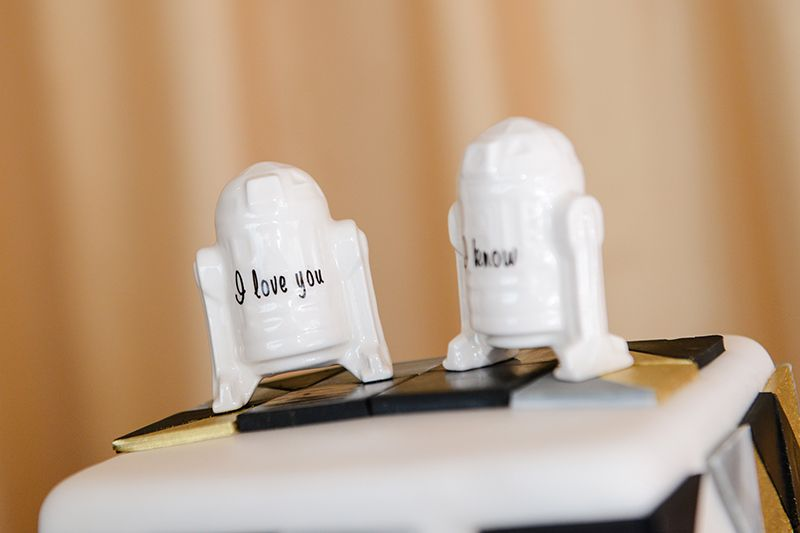 r2d2 wedding cake topper r2d2 inspired wedding cake toppers with hans s 18951