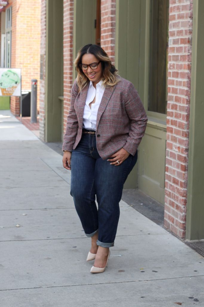 73ecad7c0b5 Stylish plus size work outfit with jeans white shirt and blazer! Plus Size  Fashion
