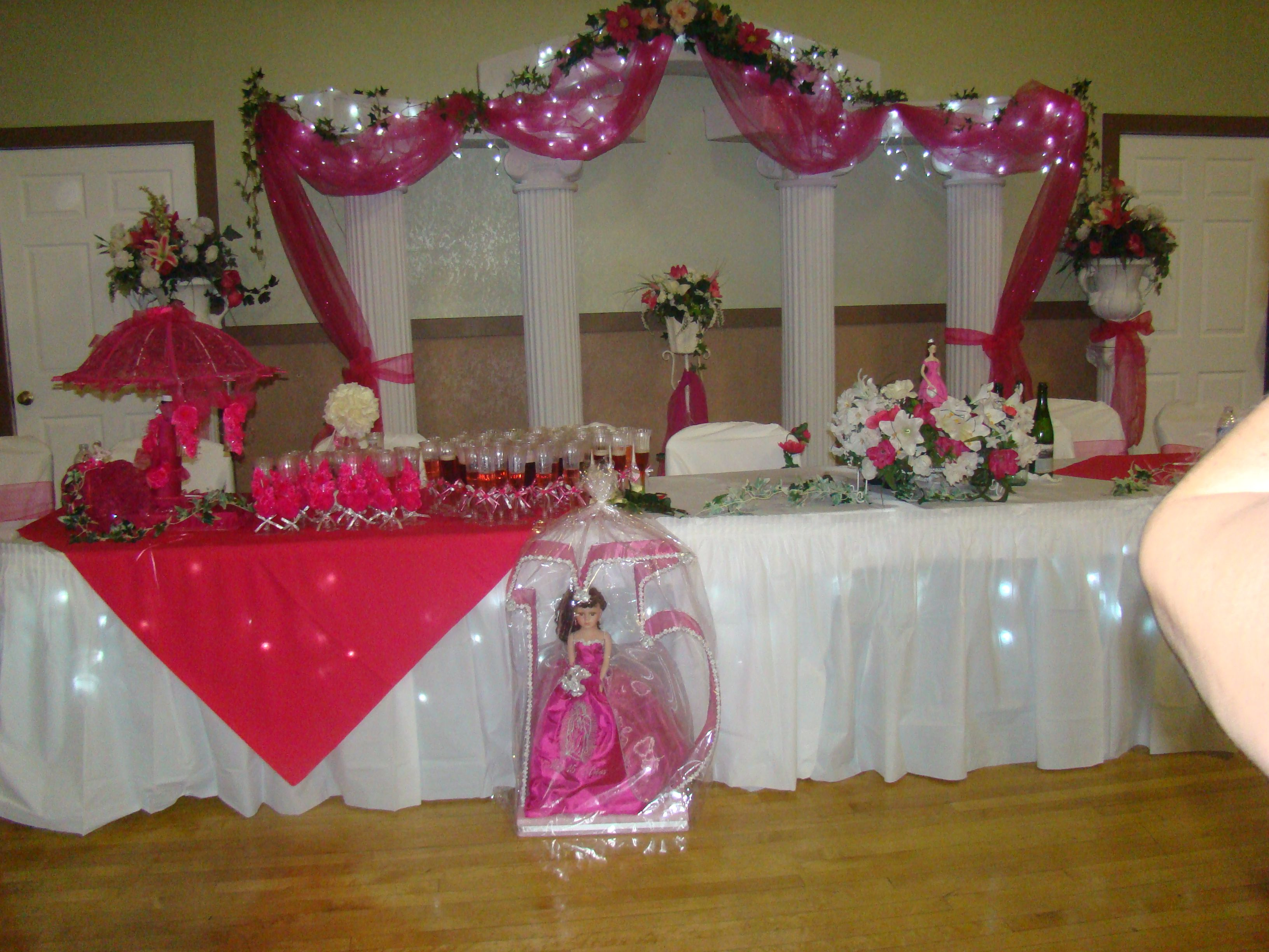 Mesa principal Head table ByQumirCreations Quinceaeras y