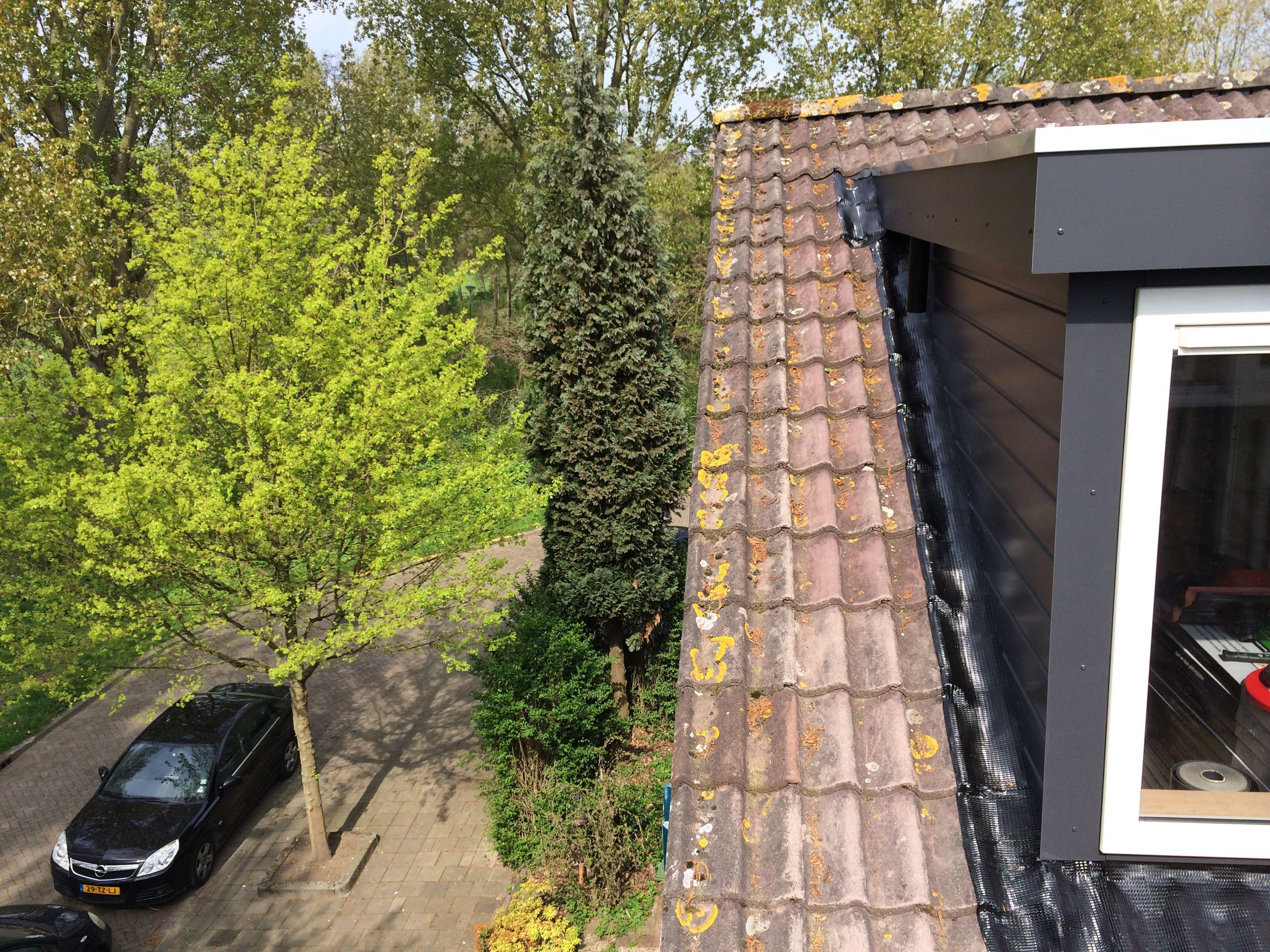 Traditioneel geplaatste kunststof dakkapel 9.000 x 1.750 mm