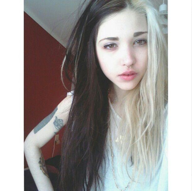 Half Black And Blonde Hair Tumblr Google Search Dyed Hair Aesthetic Hair Hair