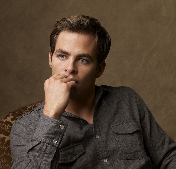 Actor Chris Pine Post Picture With His Classic Hairstyle