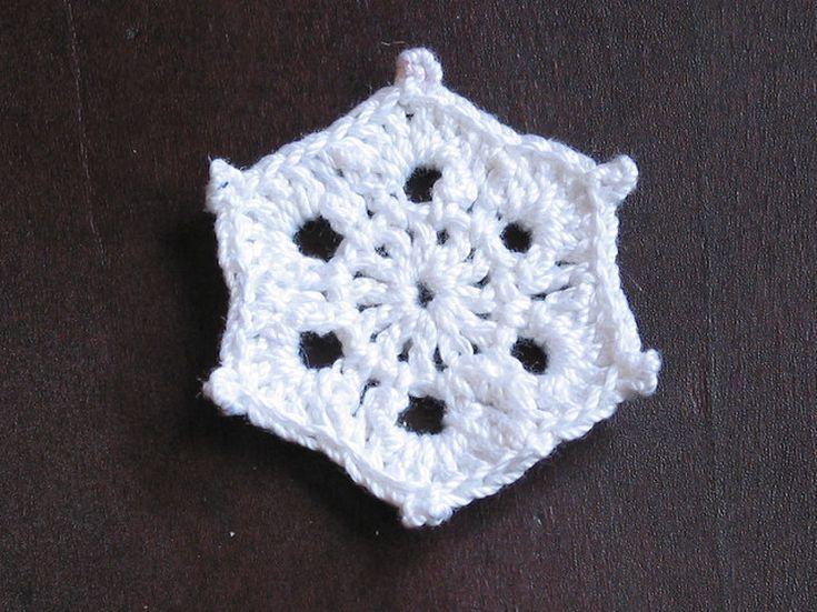 10 Free Crochet Patterns For Pretty Festive Snowflakes Free