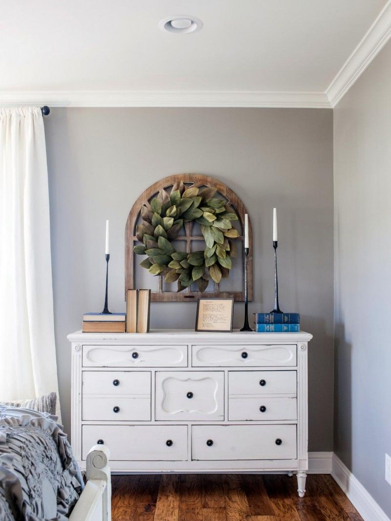 Farmhouse Bedroom Furniture: Love The Wreath Over The Frame