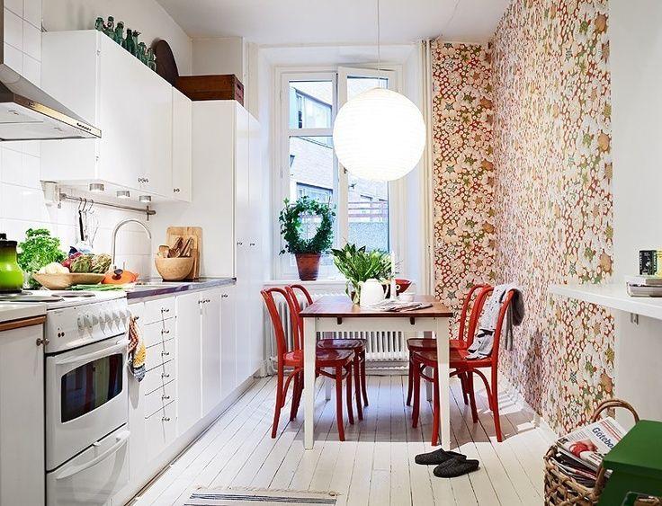 Red Chairs Muebles De Cocina Piso De Alquiler Cocina Hermosa