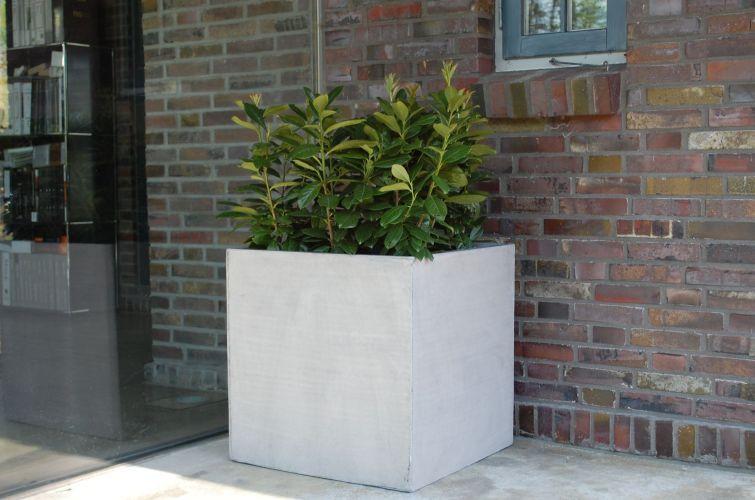 Block | Pinterest | Blumenkübel beton, Pflanzkübel und Blumenkübel