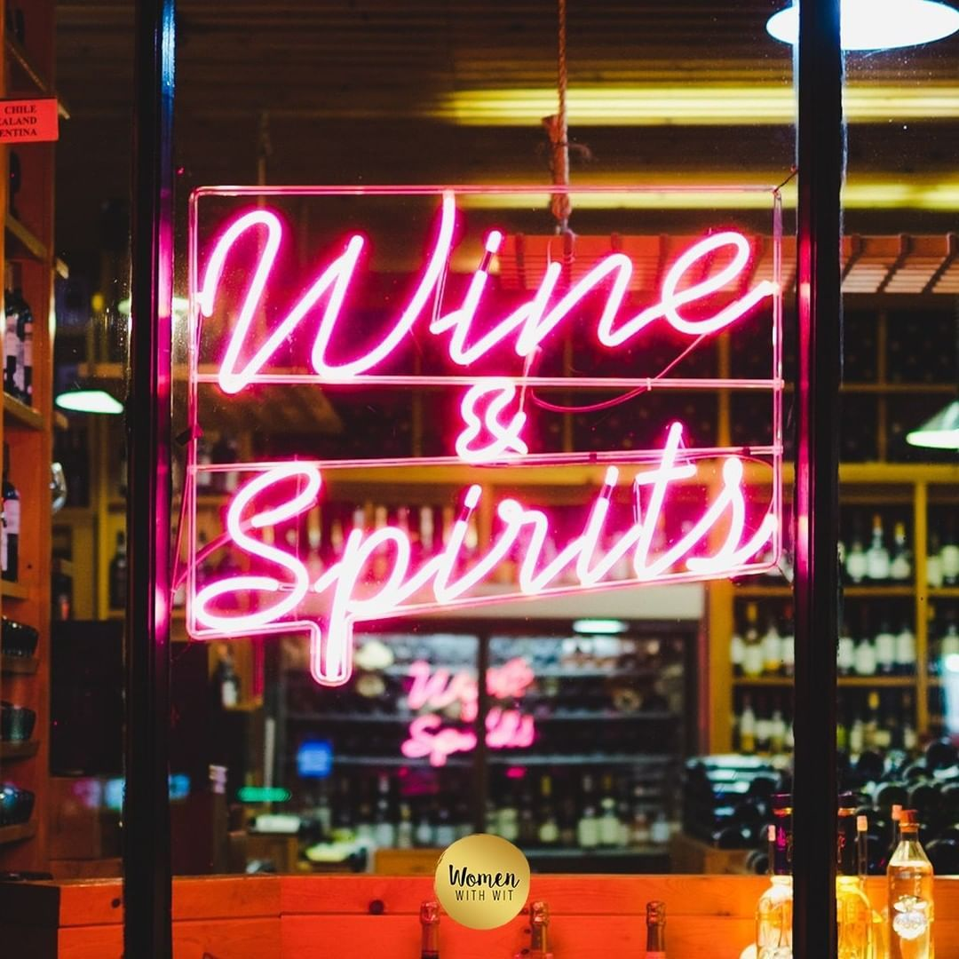 Some Of The Best Weekends Start With Good Spirits Wine Womenandwine Timeforwine Wineday Wineoftheday Wi Wine Photography Wine Parties Wine Lovers