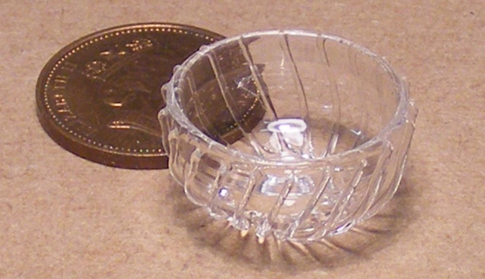 A3759 Dollhouse Miniature Fancy Round Silver Plate