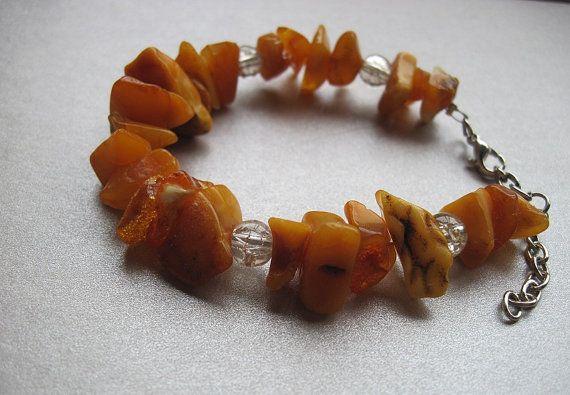 Amber and crystal glass beads bracelet di Loonharija su Etsy