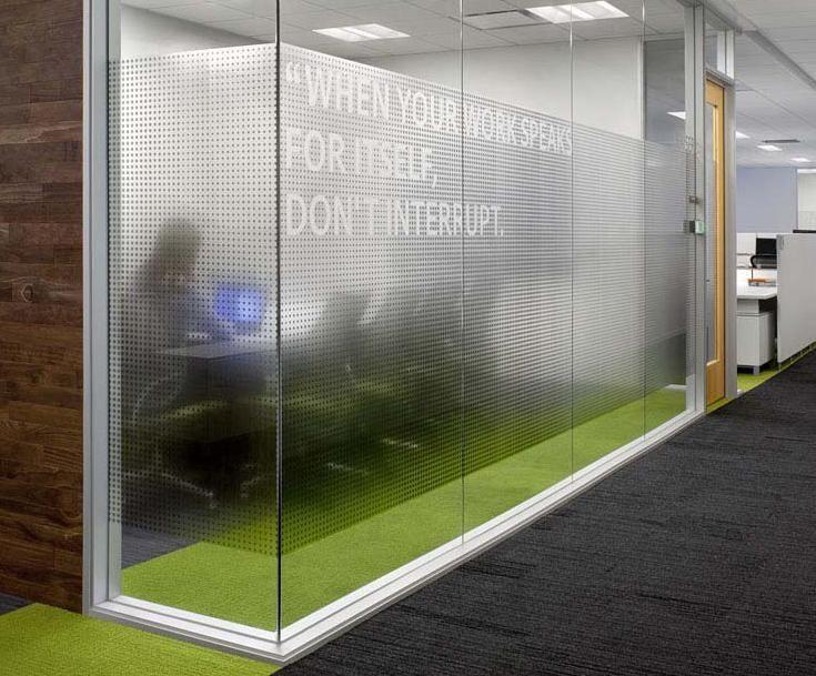 Impresion vinil traslucido mate fernando urrea dise ador for Diseno oficinas modernas bogota