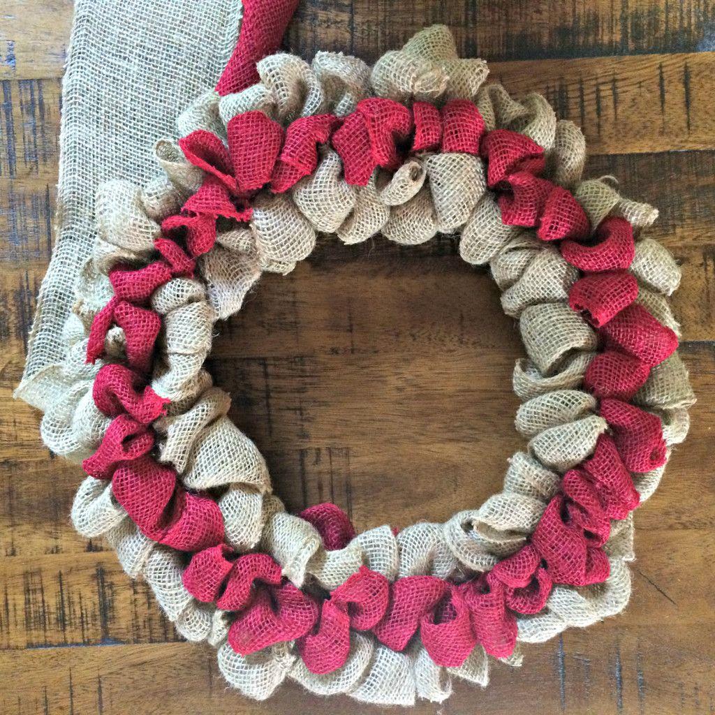 Photo of How To Make A Patriotic Burlap Wreath – Sobremesa Stories