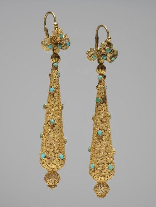 Etruscan gold earrings