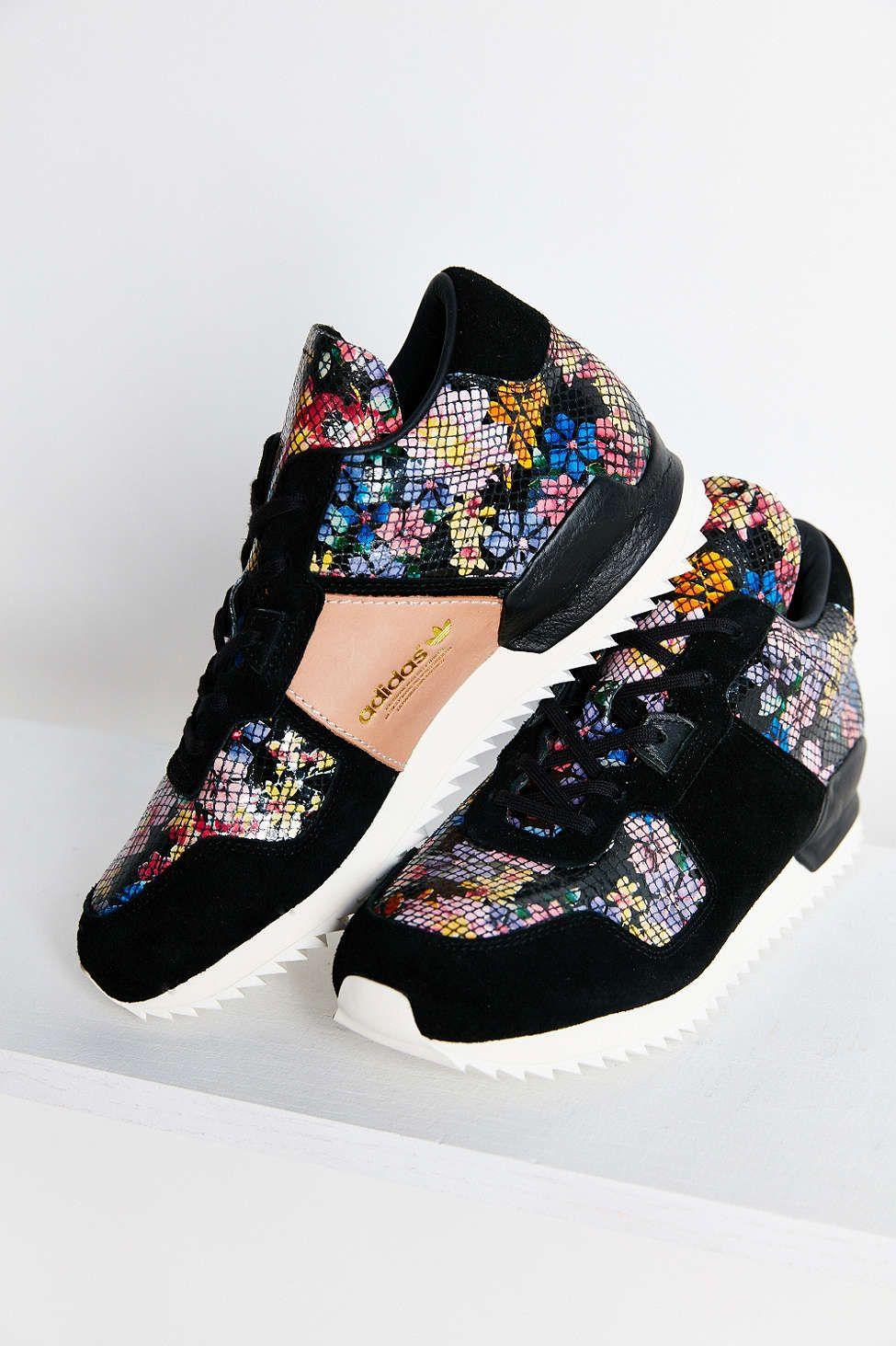 huge discount 88402 74e8c adidas zx 700 spot