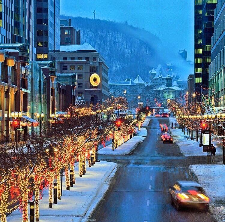rue McGill College Noel in Montreal Montreal in winter