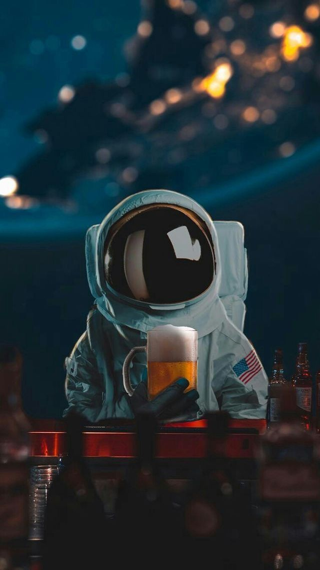 Pin By Busra Keser On Wallpaper In 2019 Astronot Iphone Duvar
