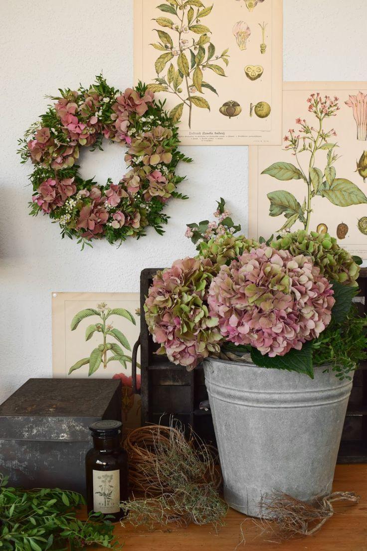 Photo of Make DIY hydrangea wreath yourself: wreath of hydrangeas, wax flowers, pistachio …
