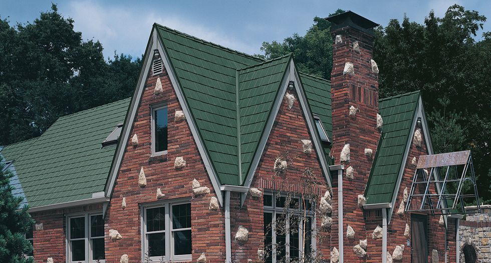 Metalworks Steel Shingles In Astonwood Forest Green Roofing Shingles New Home Construction Roof Restoration Building
