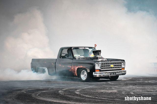 Summernats Burnouts 2012 Lowered Trucks Gm Trucks Up In Smoke