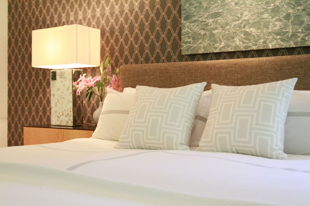 Jeff lewis design neutrals pinterest jeff lewis for Jeff lewis bedroom designs