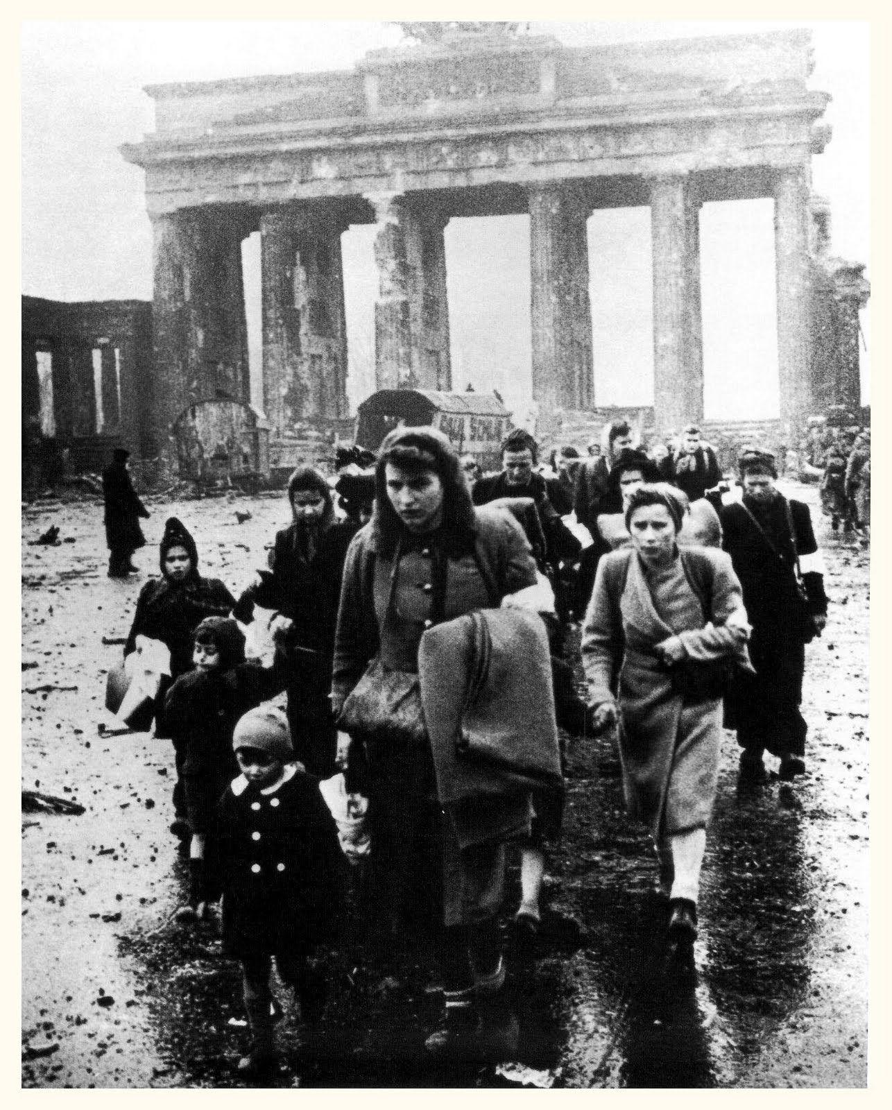 Porte de brandebourg berlin allemagne1945 ww ii for Porte de brandebourg