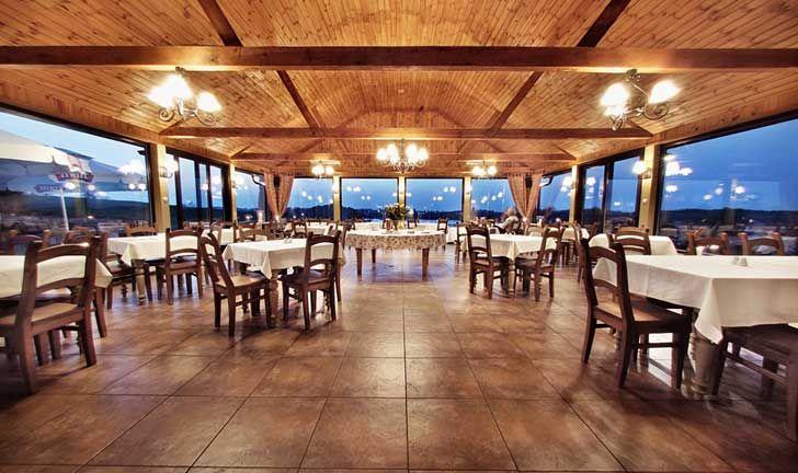 Noclegi Mazury Hotele Elk Siedlisko Morena Stare Juchy Dining Table Hotel Design
