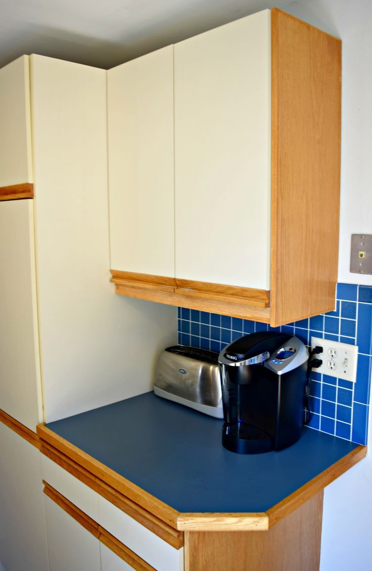 tips for updating melamine cabinets with oak trim for the home rh pinterest com