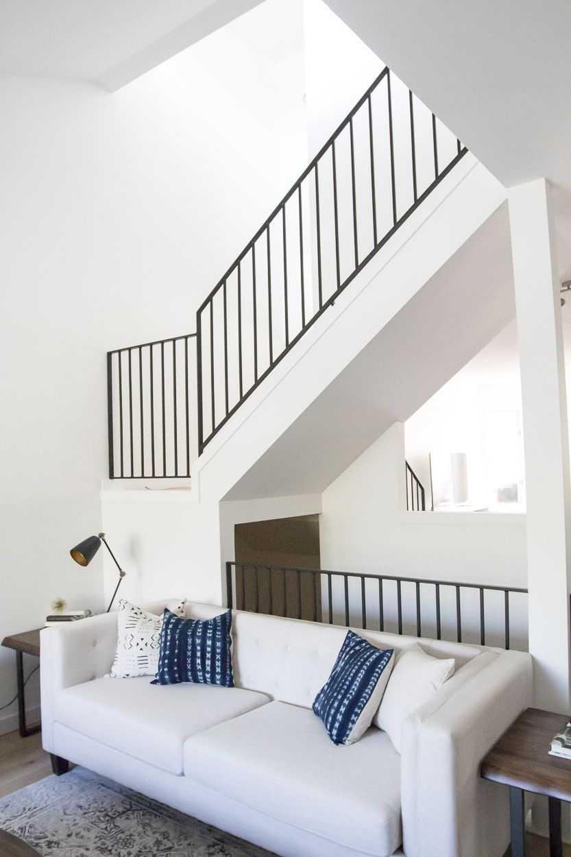Best Modern Metal Railings A Sleek Staircase Design 400 x 300