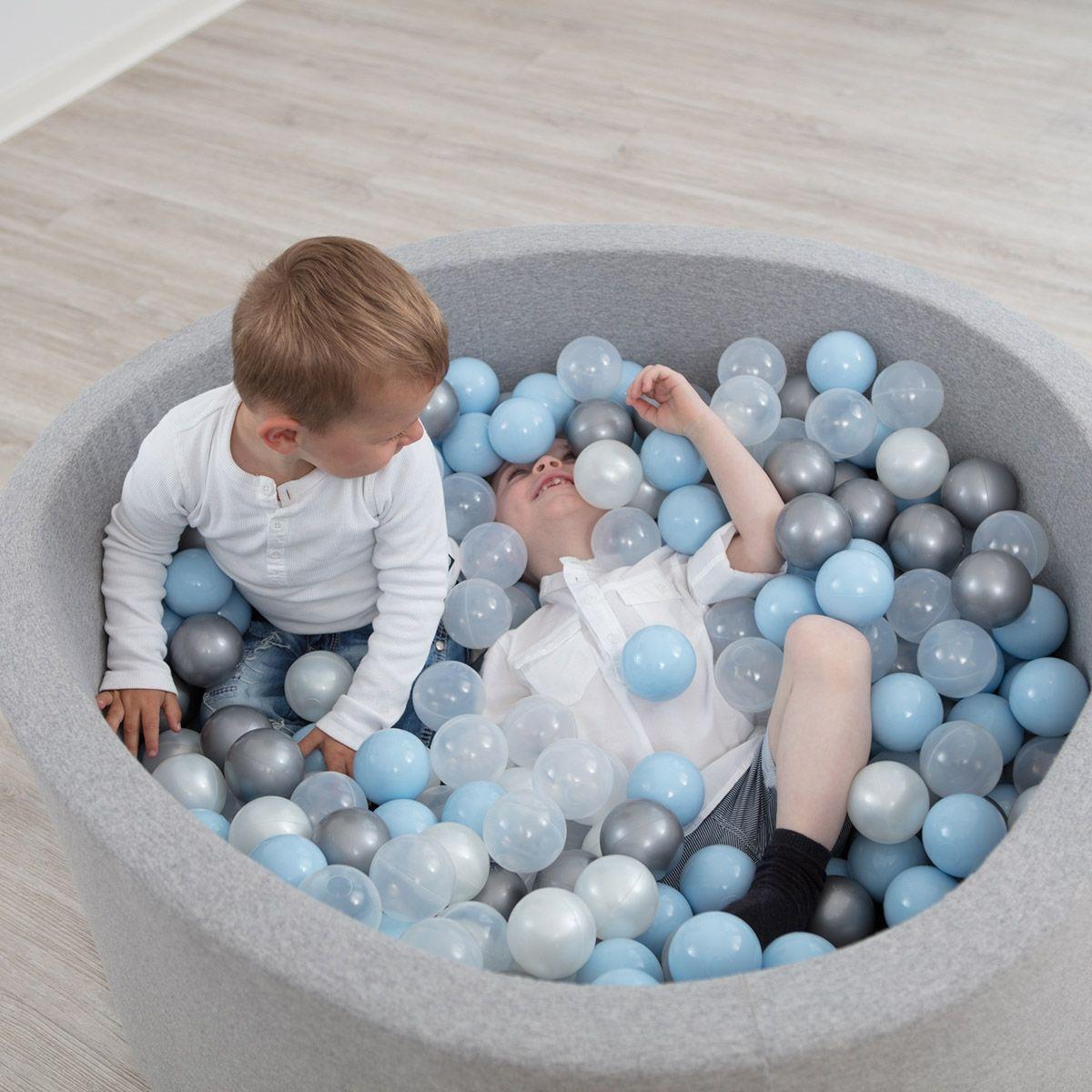 piscine balles g ante en mousse avec 400 balles petit petit tout petits pinterest. Black Bedroom Furniture Sets. Home Design Ideas