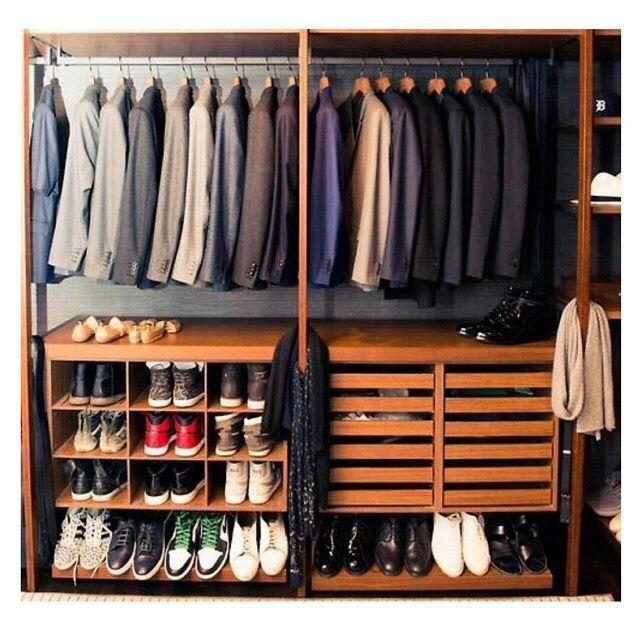 Master bedroom closet for a true gentleman | Armário de