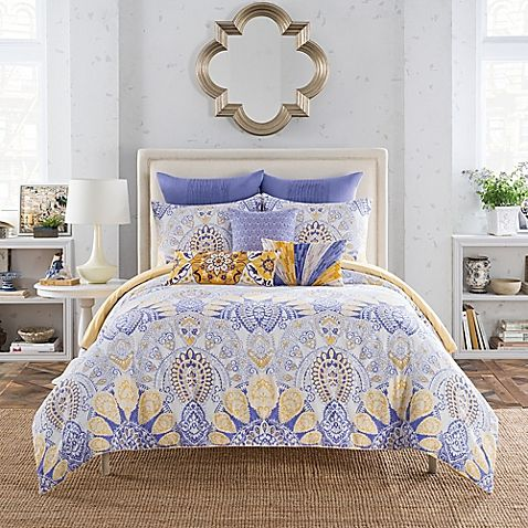 Turn your bedroom into a fashion runway with the Anthology Lyla Comforter Set. T...