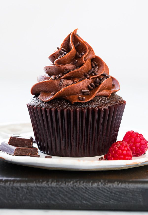 Chocolate Cupcakes with Chocolate Buttercream Frosting | cookingclassy.com