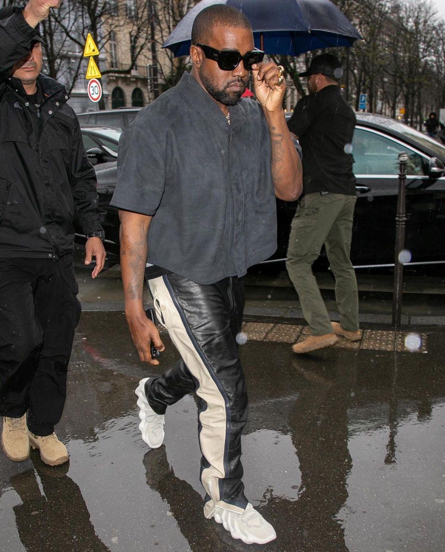 Pin By Wardba On Kanye West In 2020 Kanye West Style Kanye West Outfits Kanye West Adidas Yeezy