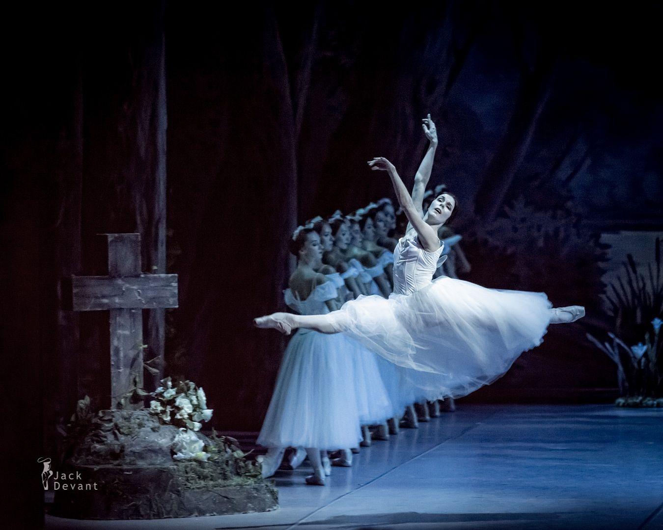 Jeudi Grand Jete!!! by Natalia Osipova - in Giselle Act II at the Mikhailovsky Theatre, St. Petersburg, Russia