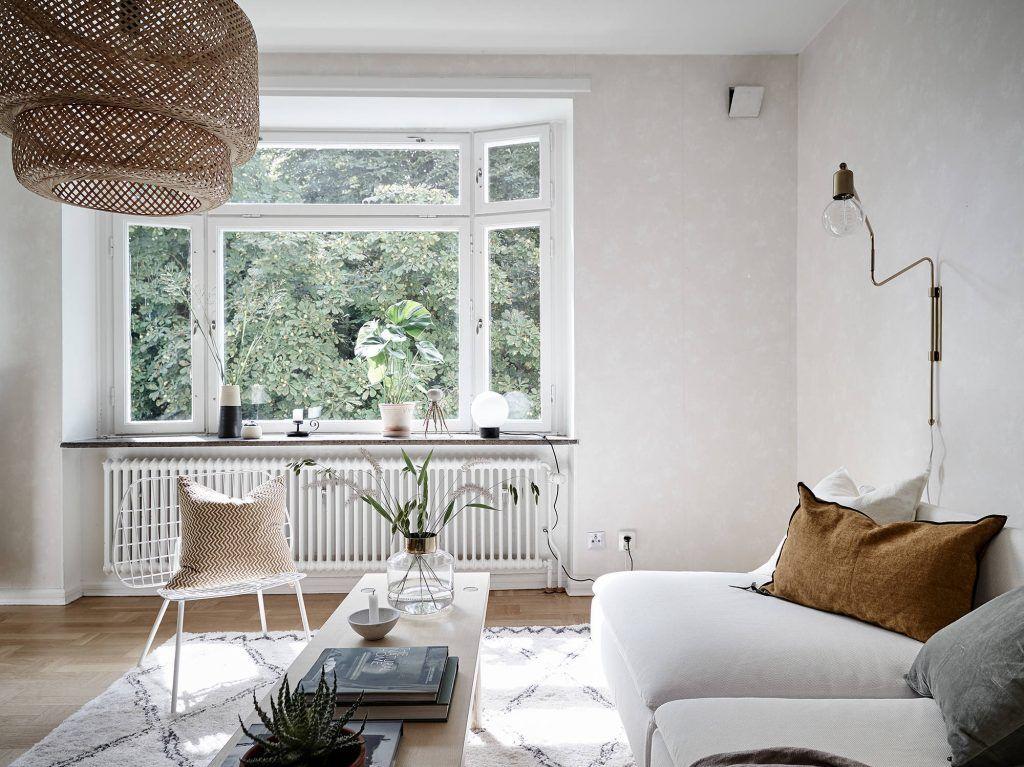 Een langwerpige, hoge salontafel is een prachtige toevoeging aan je ...
