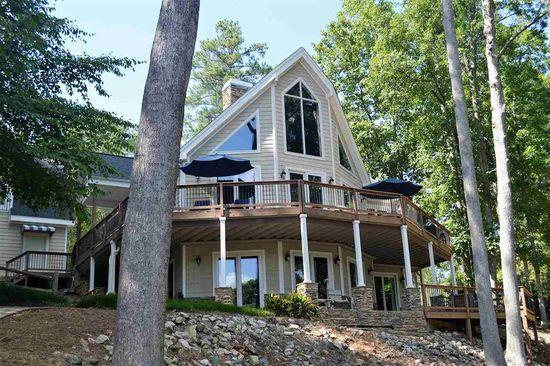 707 Live Oak Ct Seneca Sc 29672 Zillow Waterfront Homes House Styles House Plans