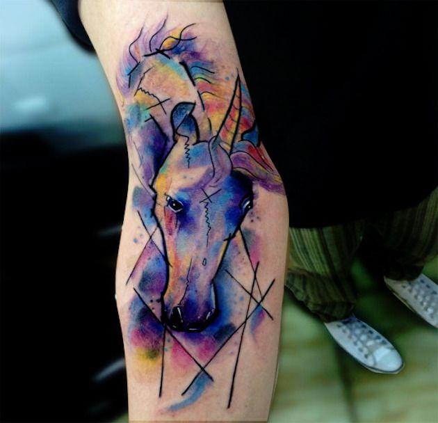 Epingle Par Mlou Sur Tattoo Tatouage Licorne Modele Tatouage Et