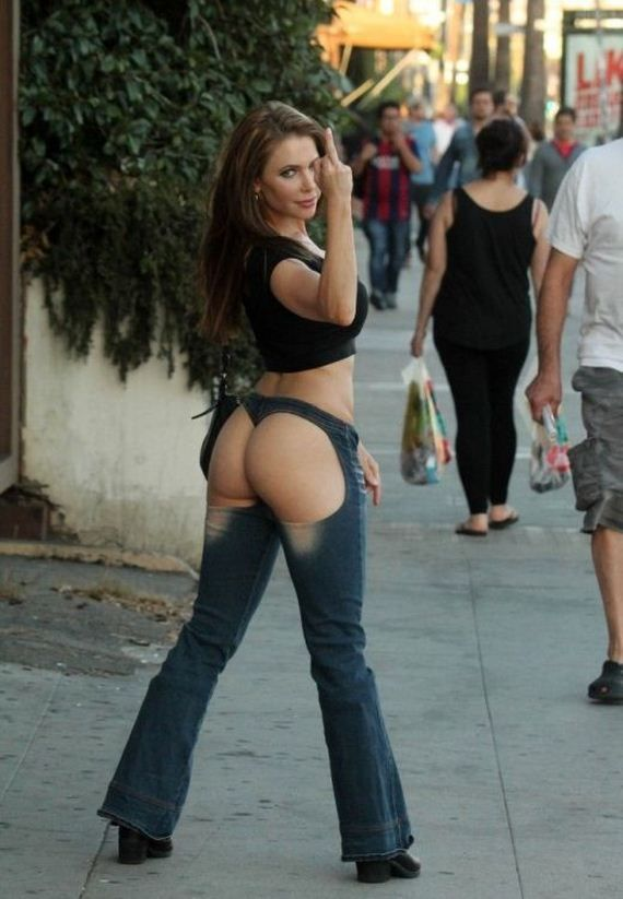 Panorama Imagens Da Internet Erika Jordan Leva Para As Ruas Seu Jeans Mostra Bunda