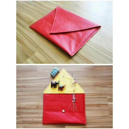 Sabe quando você encontra algo realmente interessante? Clutch Envelope Rossa. Compre online: www.libel4.com