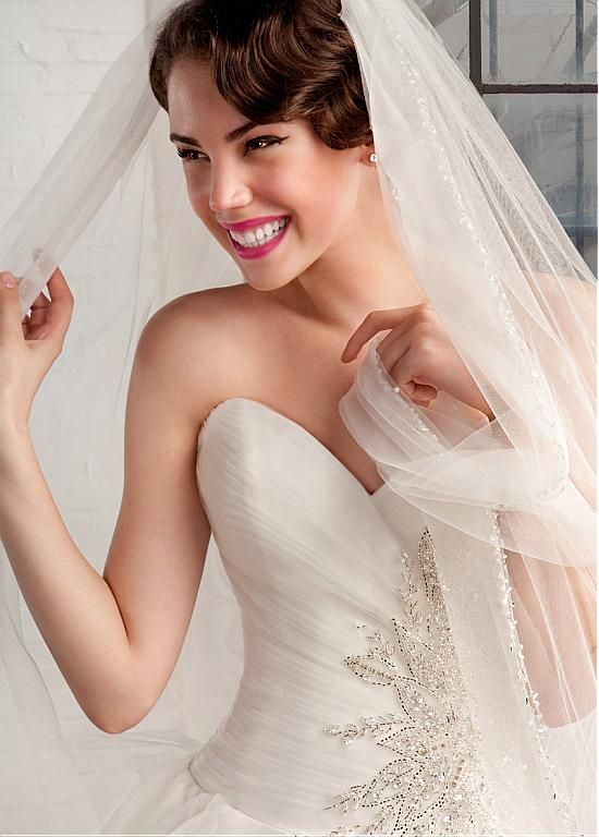 Gorgeous Tulle Sweetheart Neckline Ball Gown Wedding Dresses with Beadings & Rhinestones