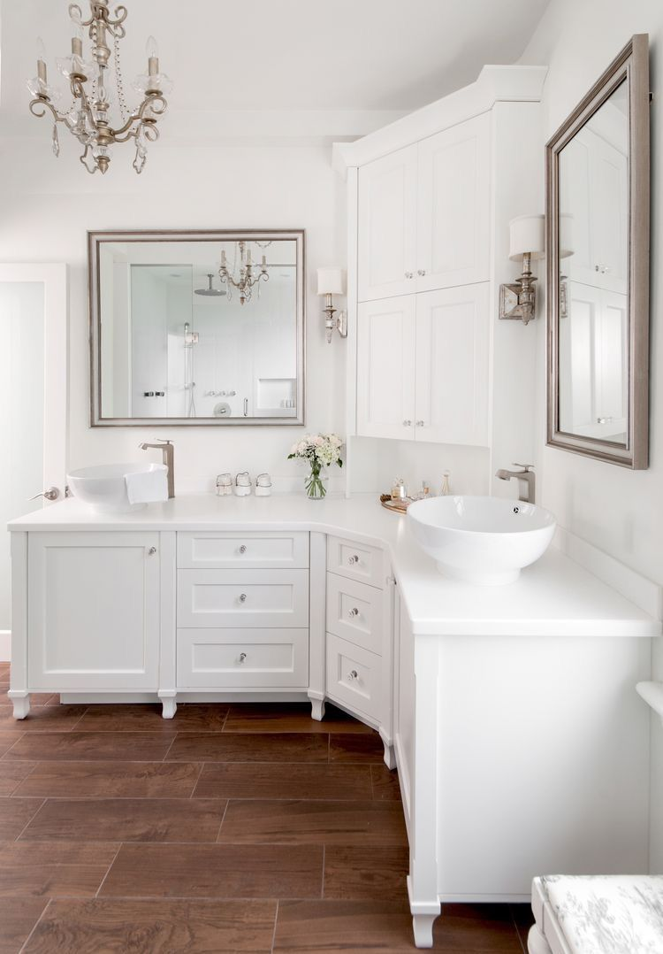 Corner Double Vanity With Large Middle Cabinet For Linens For My