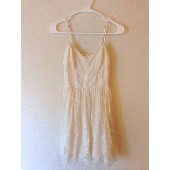 • Abercrombie & Fitch Dress • Beautiful Abercrombie & Fitch Dress. Cream color and a delicate lace overlay. Size S.  ⚡️Fast Shipping⚡️ Open to Fair Offers   Discount off Bundles No Trades or Paypal Smoke Free Home Abercrombie & Fitch Dresses Mini