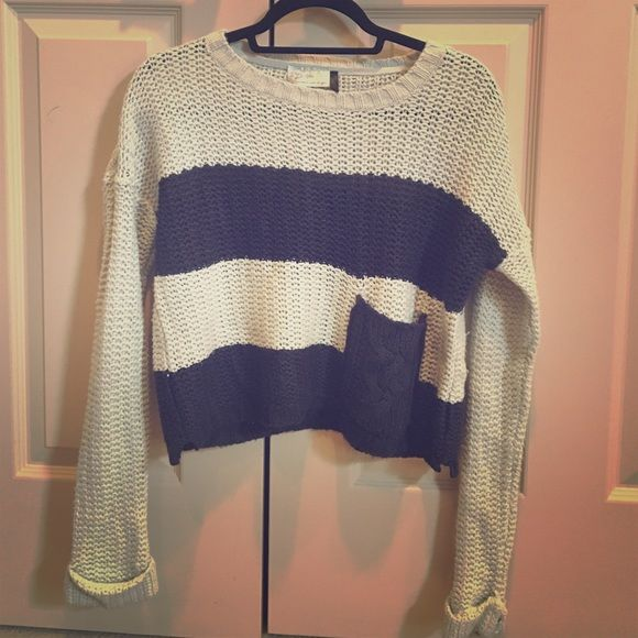 Navy and Beige Crochet Cropped Sweater with Pocket Cozy knit sweater with front pocket detail Sweaters Crew & Scoop Necks