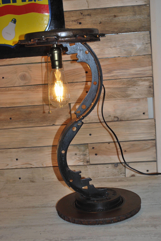 lampe industrielle patin de frein led vintage r cup m tal de la boutique. Black Bedroom Furniture Sets. Home Design Ideas