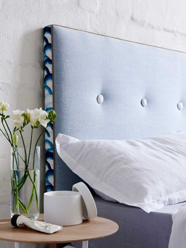 bett kopfteil gepolstert stilvoll hellblau - Schlafzimmerideen Hellblau