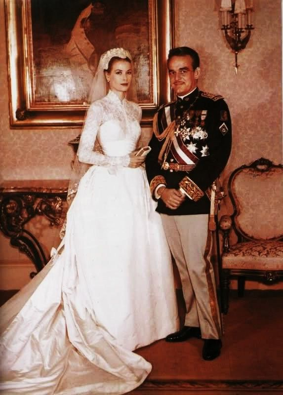here in her famous wedding dress | Style Inspiration: Grace Kelly ...
