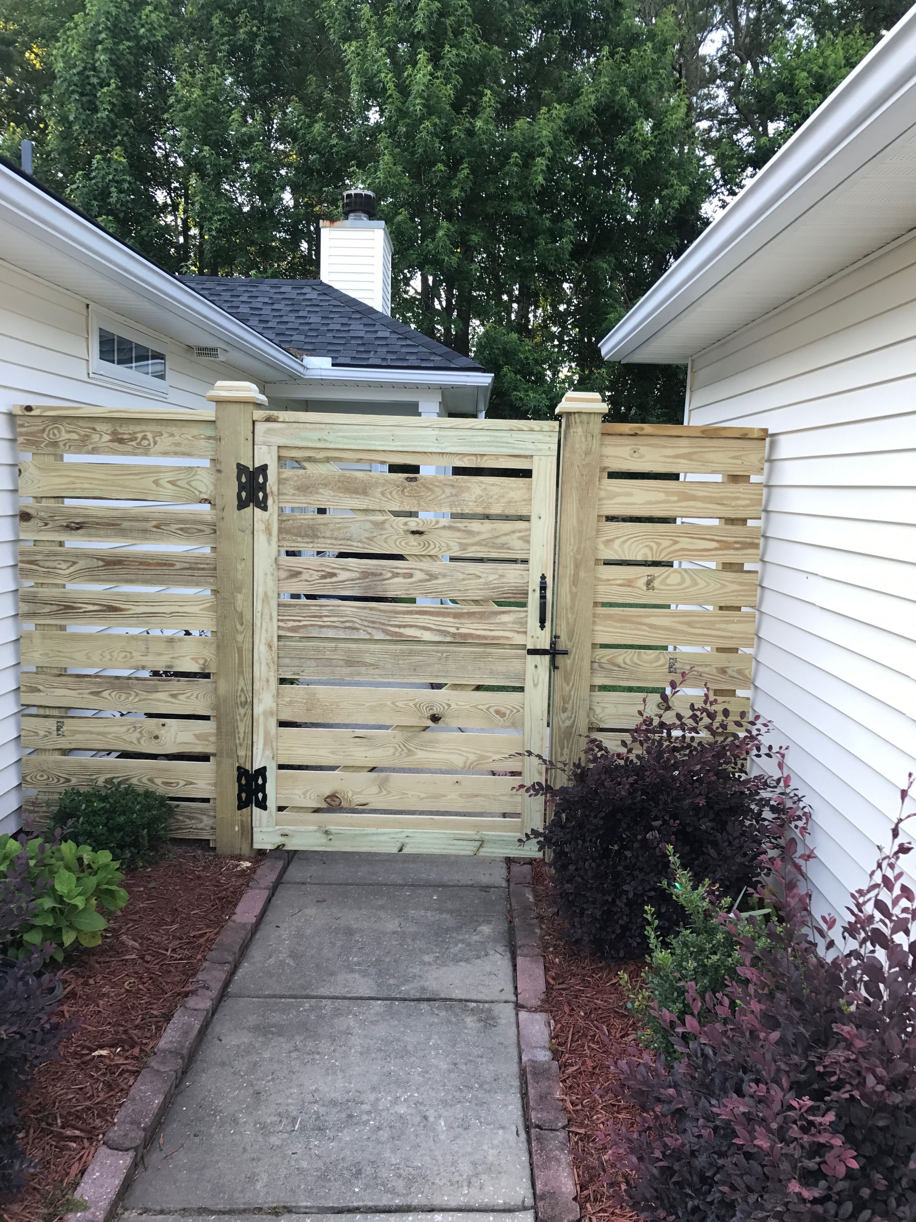 1x6 Horizontal Board Fence With Gate Backyard Fences Wooden Fence Gate Garden Fence